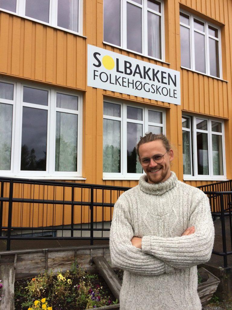Harald Thompson Rosenstrøm, rektor ved Solbakken folkehøgskole, har selv vært elev ved Teaterhøjskolen Rødkilde.