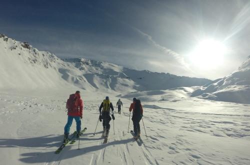 Lager og designer egne ski