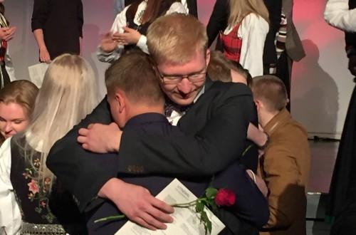 Gåte: Hvilken skole får elevene til å gråte når de drar?