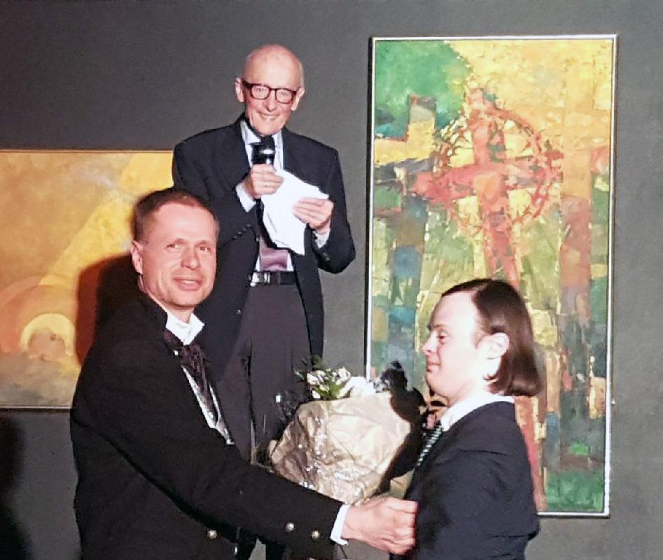 På vegne av barnebarnet Philip holdt Kåre Willoch en sterk tale under avslutningsfesten på Valdres folkehøgskole.
