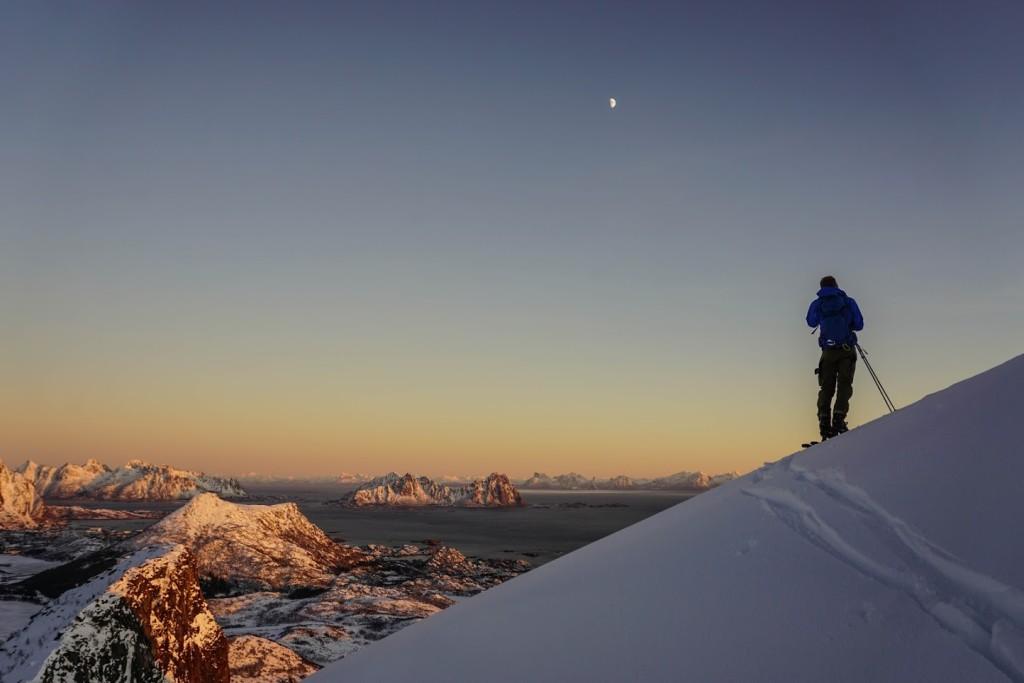 - Jeg har lært utrolig mye om både klatring, skikjøring, ferdsel i fjellet og skredfare, sier Torbjørn.