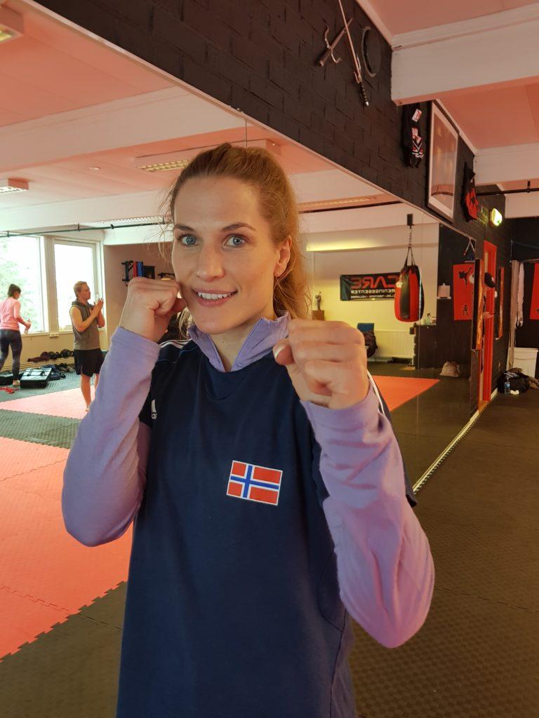Thea Næss folkehøgskole kickboksing