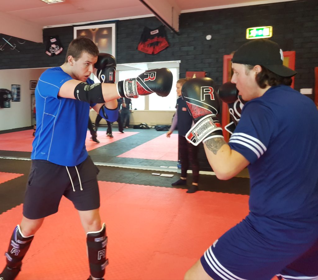 elever kickboksing trening Skogn folkehøgskole