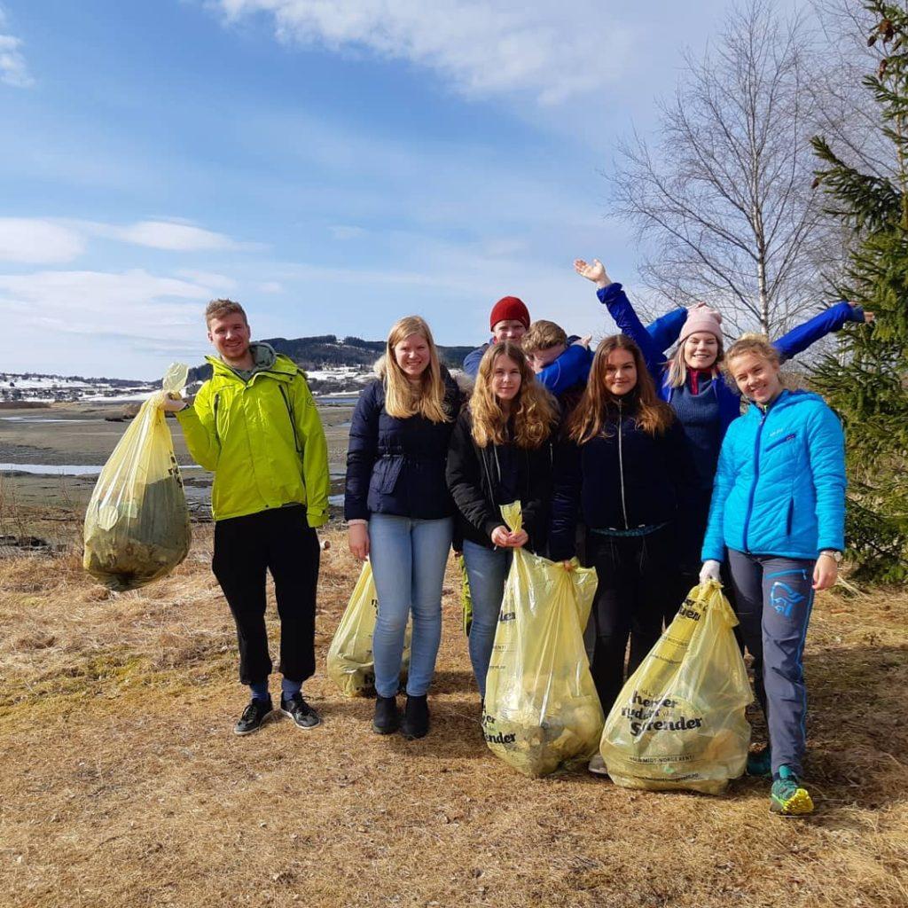 søppel strandrydding Bakketun folkehøgskole Verdal elever