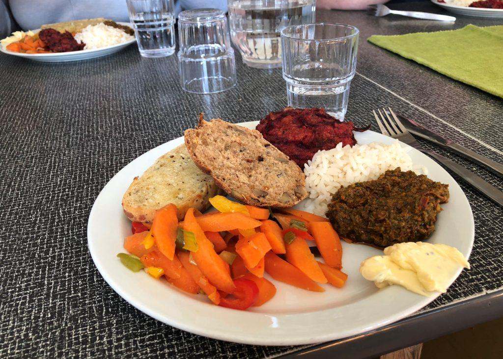Middag, mat, økologisk, vegetar, Fosen folkehøgskole.