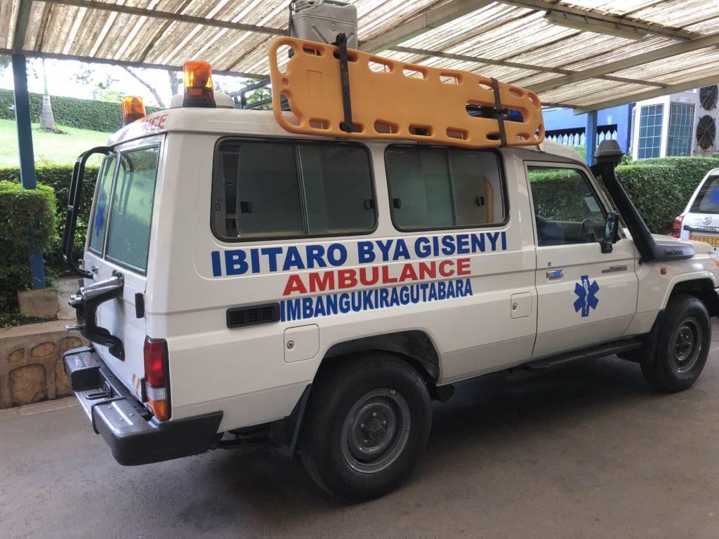 Før turen til hovedstaden i Rwanda, og det store sykehuset der, måtte Toten folkehøgskole skaffe en sykebil. Denne flotte doningen var resultatet av innsatsen.