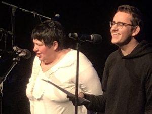 Wenche og Mathias synger seg rett inn i hjertene til alle i salen