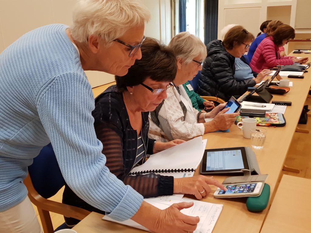 seniorkurs pensjonist Nestor digital hverdag hjelp folkehøgskole