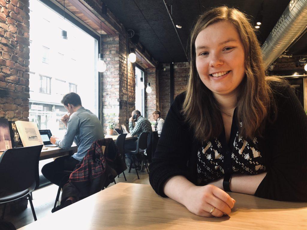 Marthe Øvrum, leder for Skeiv Ungdom, portrett, intervju, sentralen, folkehøgskole, pusteår, friår, utforske seg selv