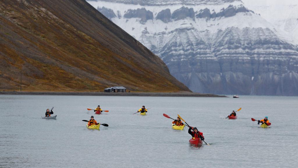 kajakk Svalbard folkehøgskole