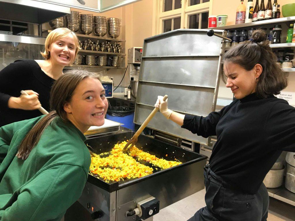 Samarbeid mat Fana folkehøgskule