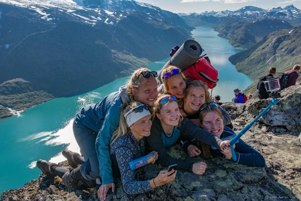 Besseggen selfie gruppebilde Valdres folkehøgskole