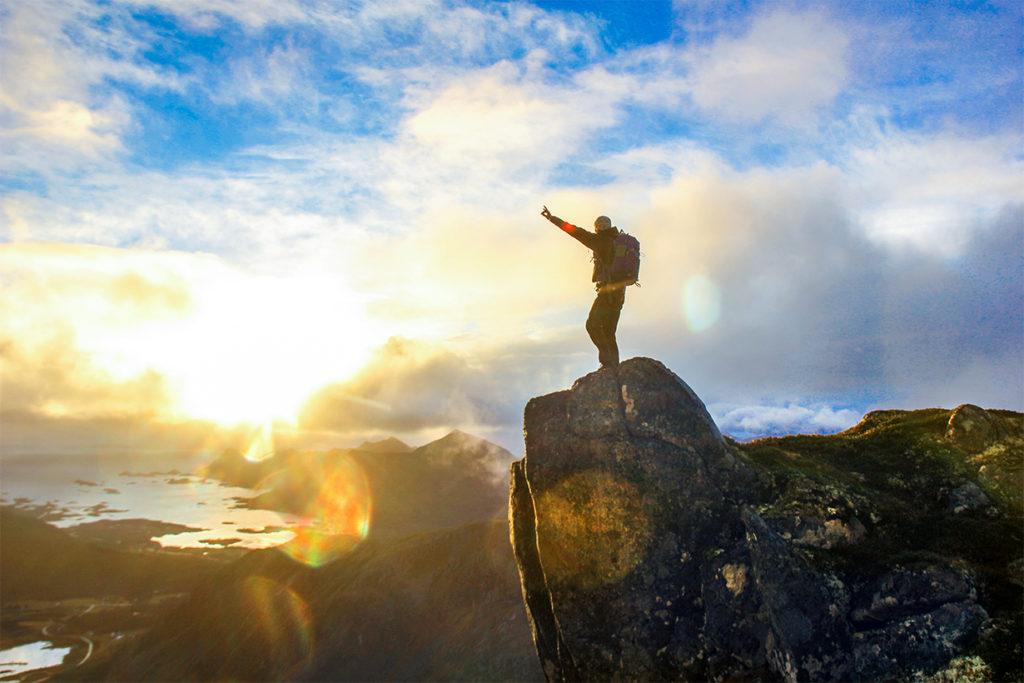 yrkesfaglig bakgrunn, søke folkehøgskole, Lofoten folkehøgskole, fjell, solnedgang