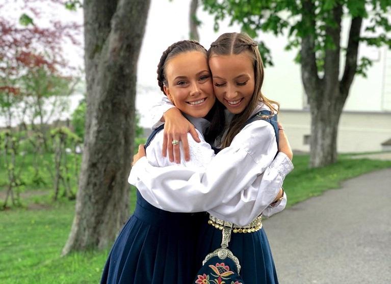 venner bunad Jeløy folkehøyskole