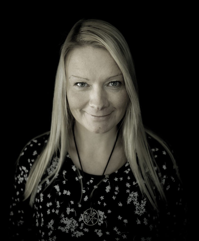 Gunn Marit Nisja forfatter Molde folkehøgskole