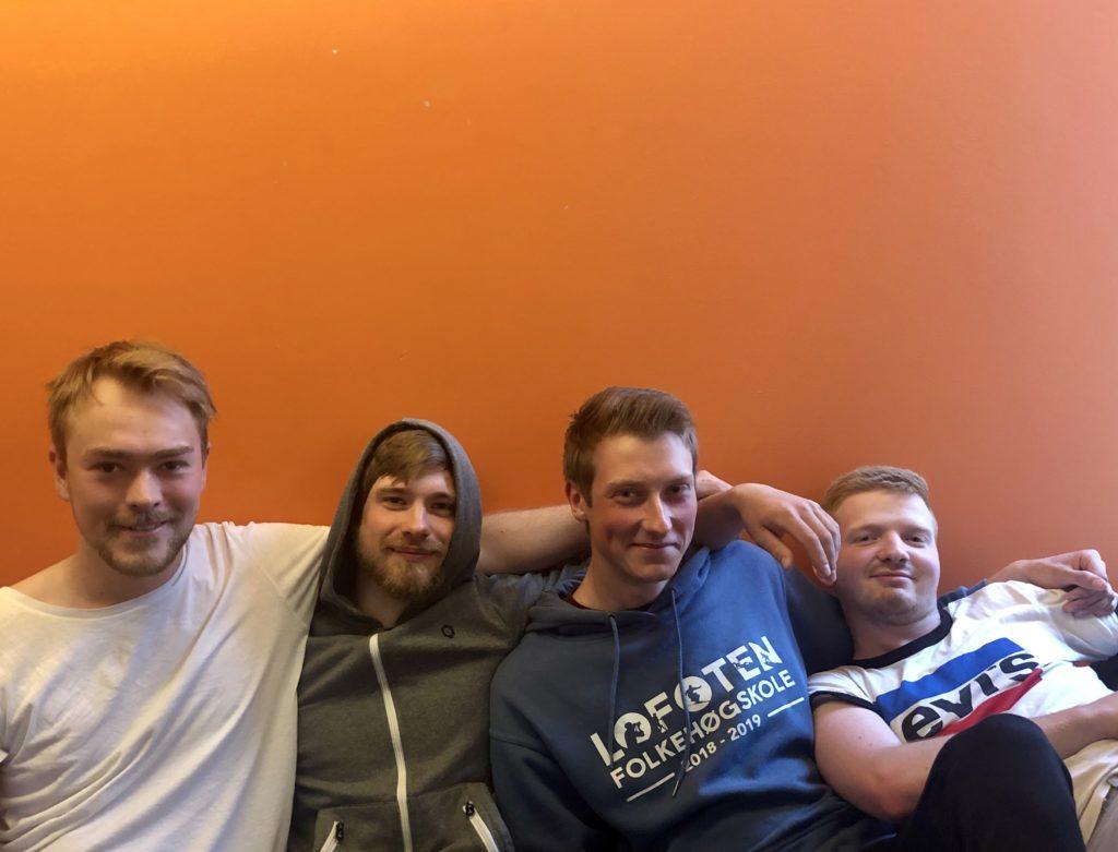 Fire unge menn, yrkesfaglig bakgrunn, søke folkehøgskole, lofoten folkehøgskole