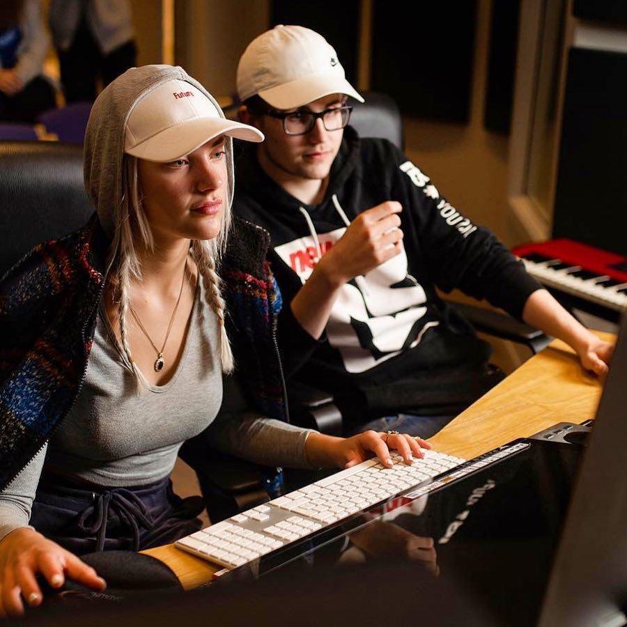 musikkproduksjon elever i studio Solborg folkehøgskole
