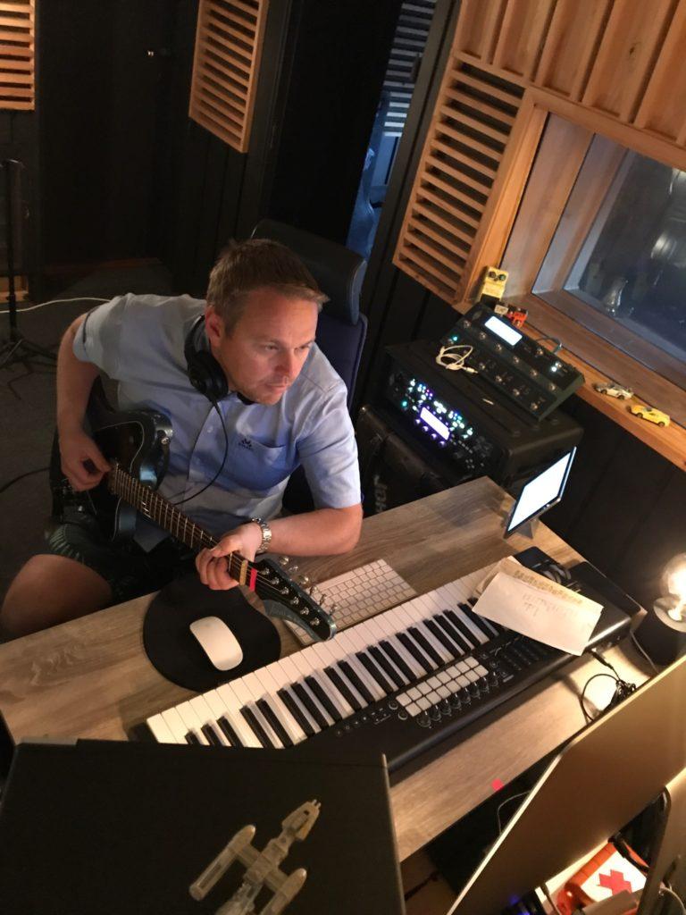Thomas Øyvang musikkstudio innspilling gitar