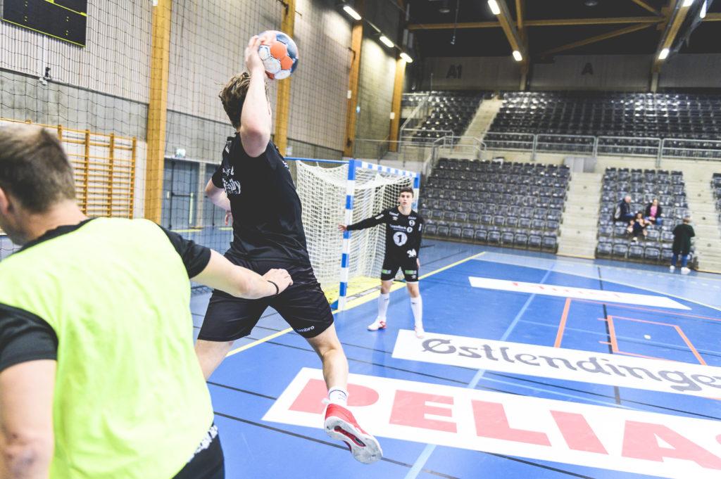 Håndball skudd Elverum folkehøgskole