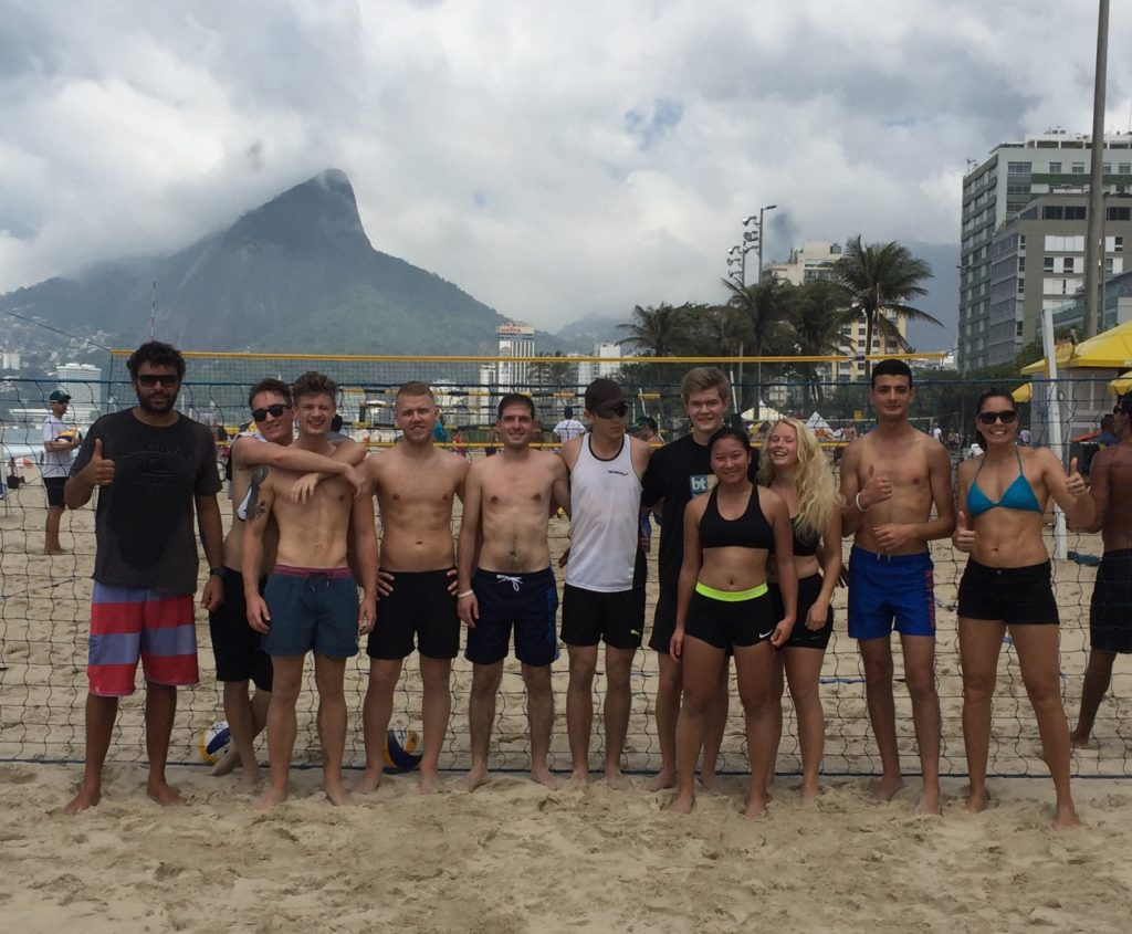 Brasil sandvolleyball klassebilde Kristiansand folkehøyskole