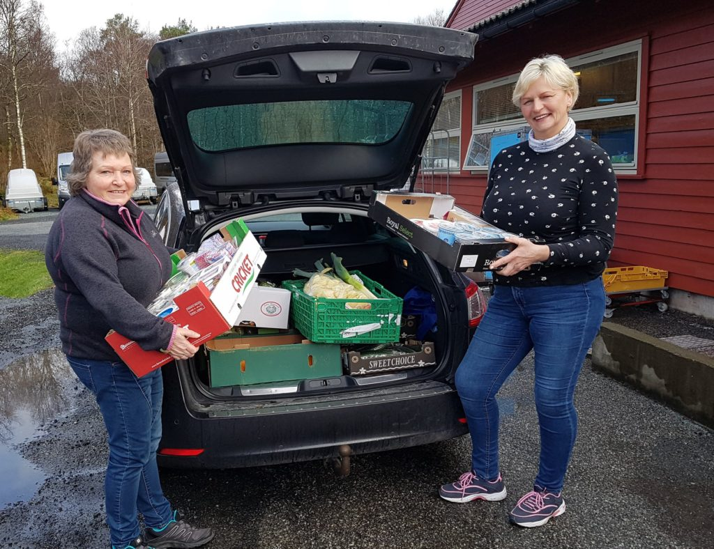 bil med mat, Bømlo frivillighetssentral henter fra Bømlo folkehøgskule