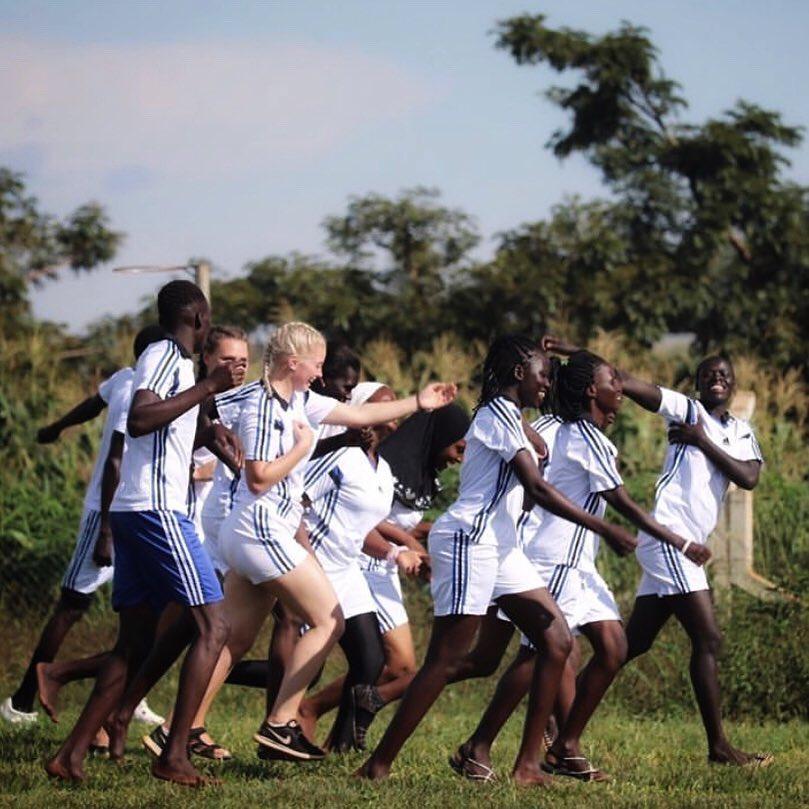 Norske folkehøgskoler har spennende samarbeidsprosjekter i Afrika og besøk til lokale samarbeidspartnere er ofte inkludert i linjetilbudet. Bilde: Emilie Løland, Bømlo folkehøgskule