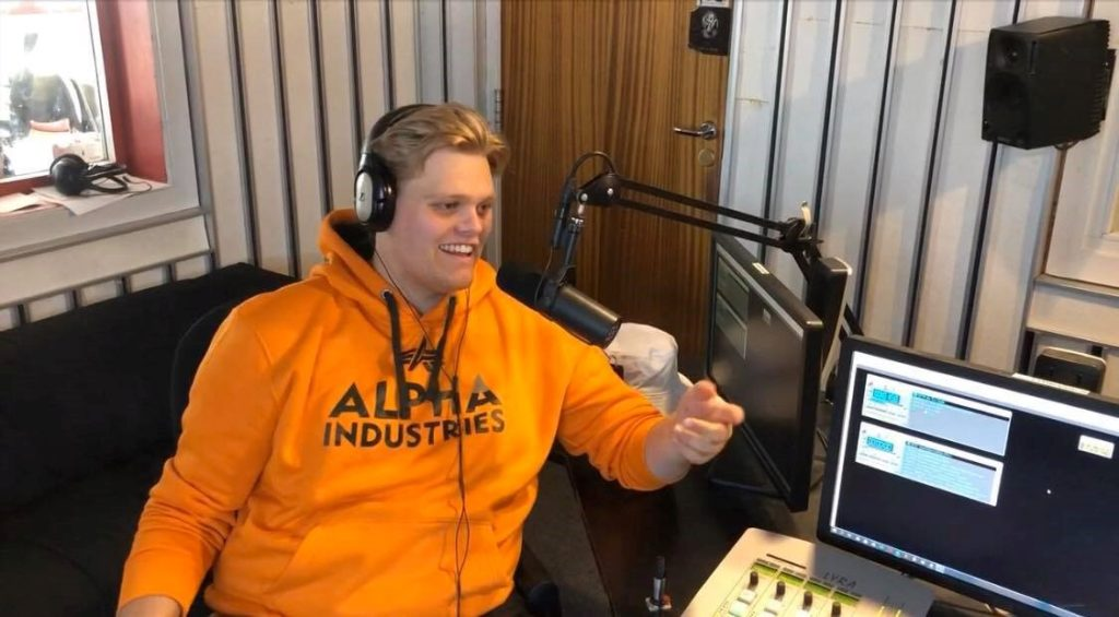 Håkon i radiostudio