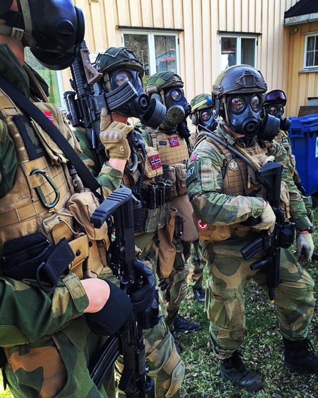 soldater i førstegangstjenesten kledd for øvelse