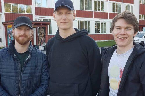 Tre kompiser på samme skole - men ved ulike årskull