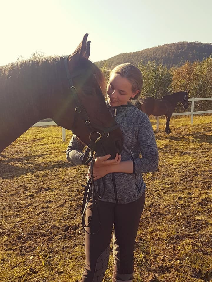 Tonje med hest