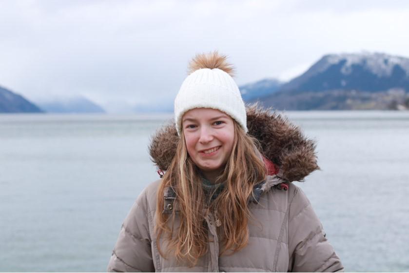 Eline Lærum, portrett, ute