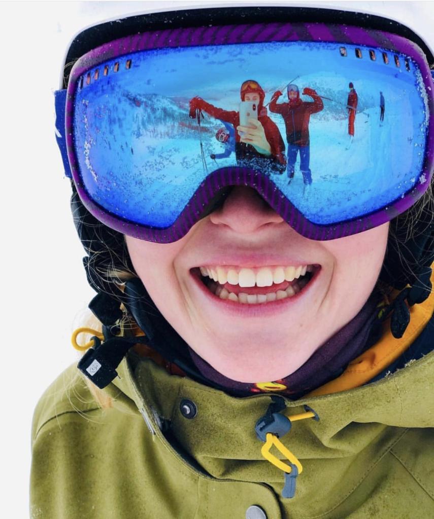 Man kan nyte naturen på en helt spesiell måte med ski eller brett under beina. Bilde: Oliver Sauran, Ålesund folkehøgskole