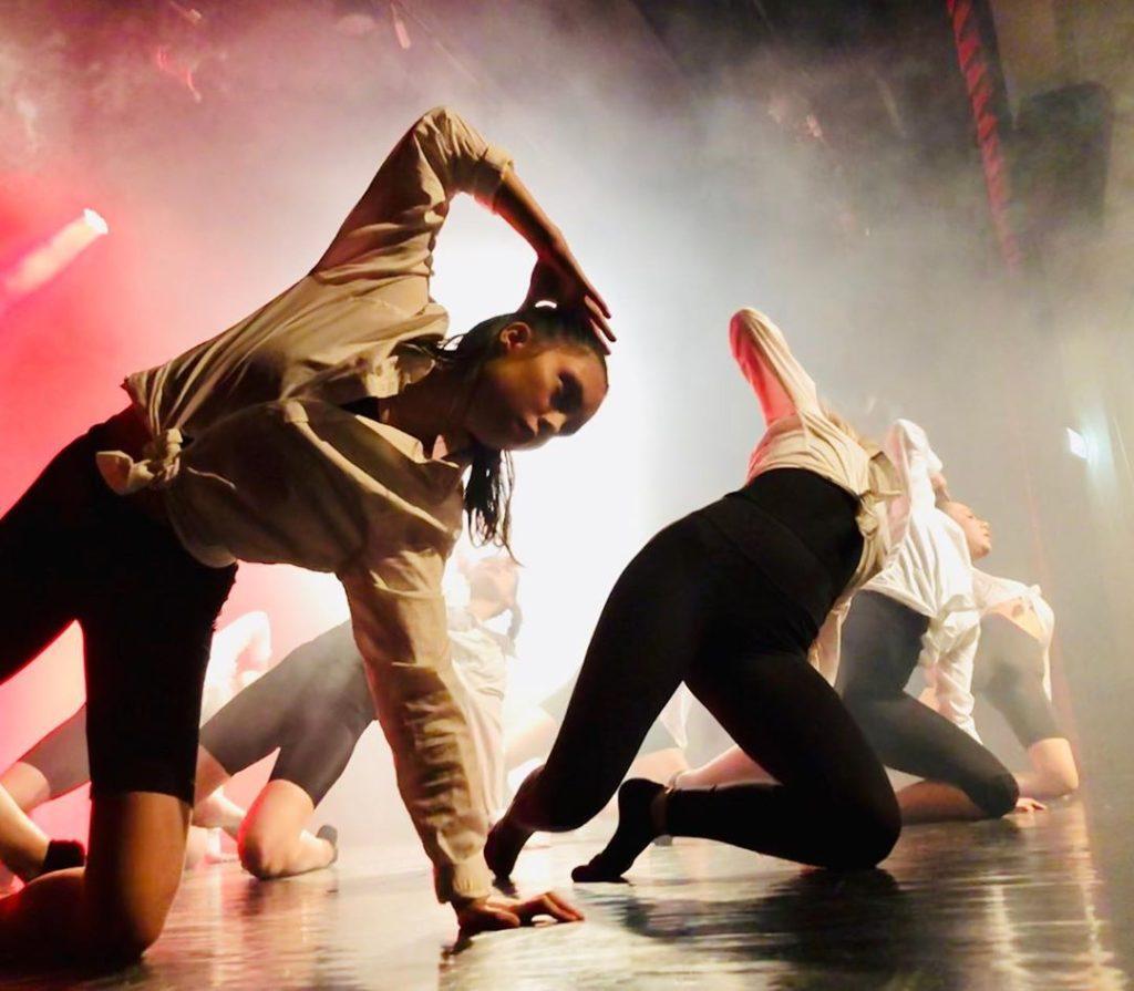 Folkehøgskolenes danselinjer tilbyr et år der du får strukket deg som danser. Bilde: Follo folkehøgskole