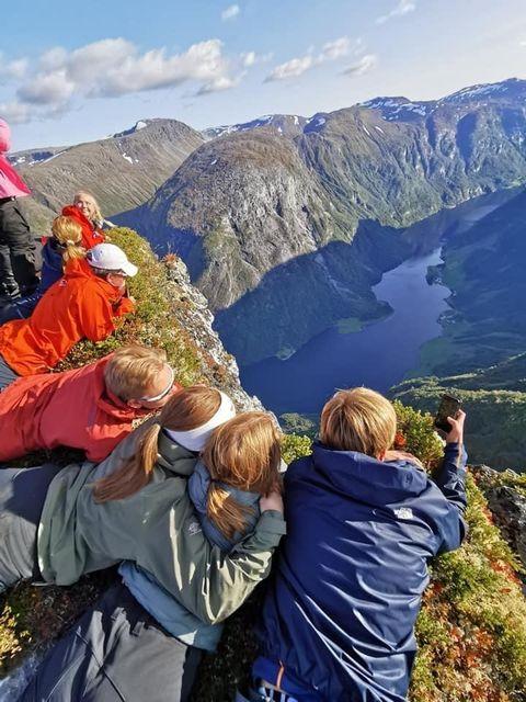 fjelltopp, utsikt, folkehøgskoleelever